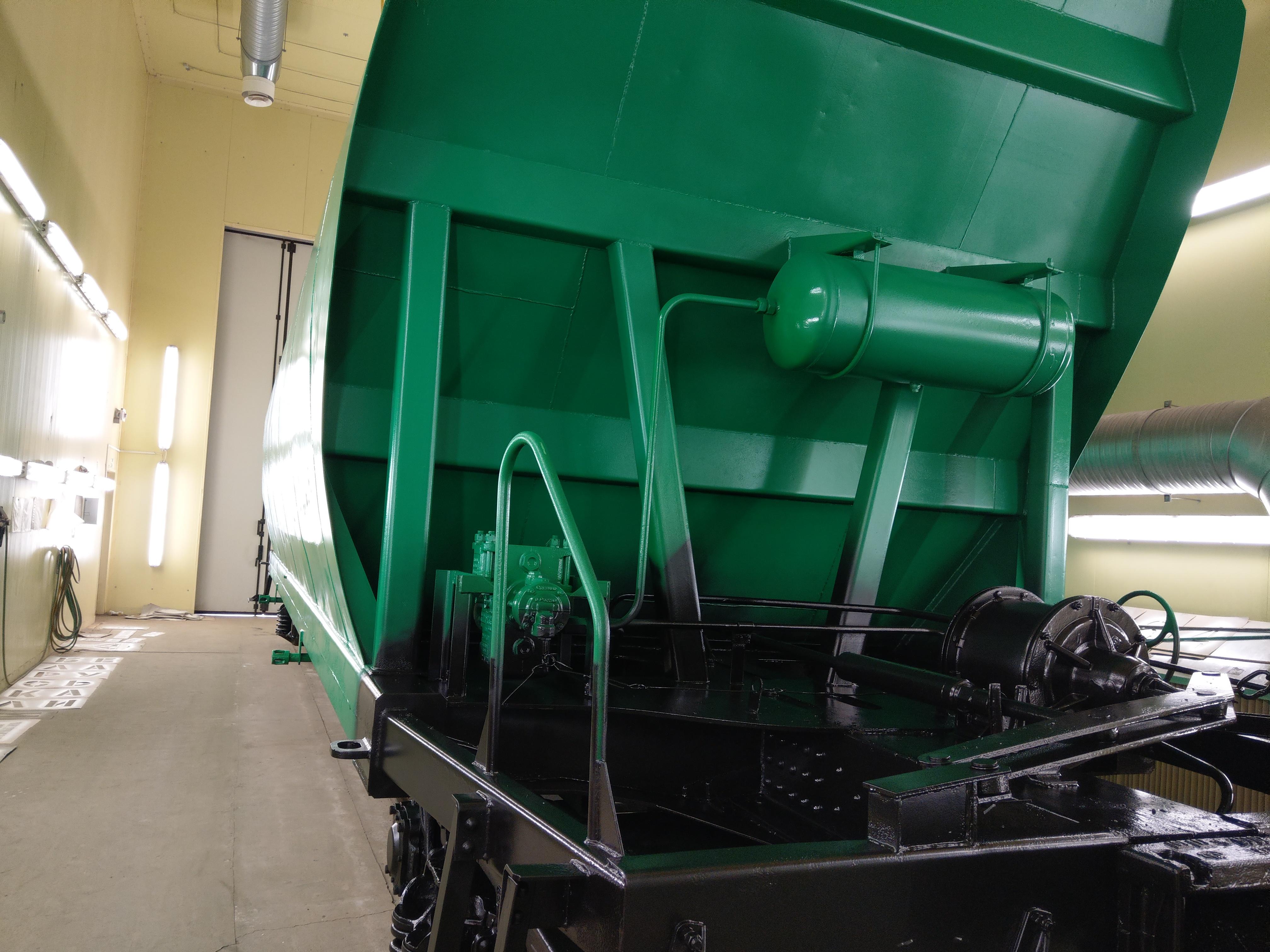 ООО «ПАССАТСТАЛЬ» выполнило работы по покраске вагона-минераловоза.
